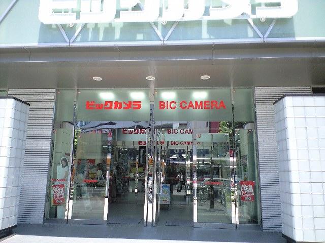 岡山駅前のビックカメラ