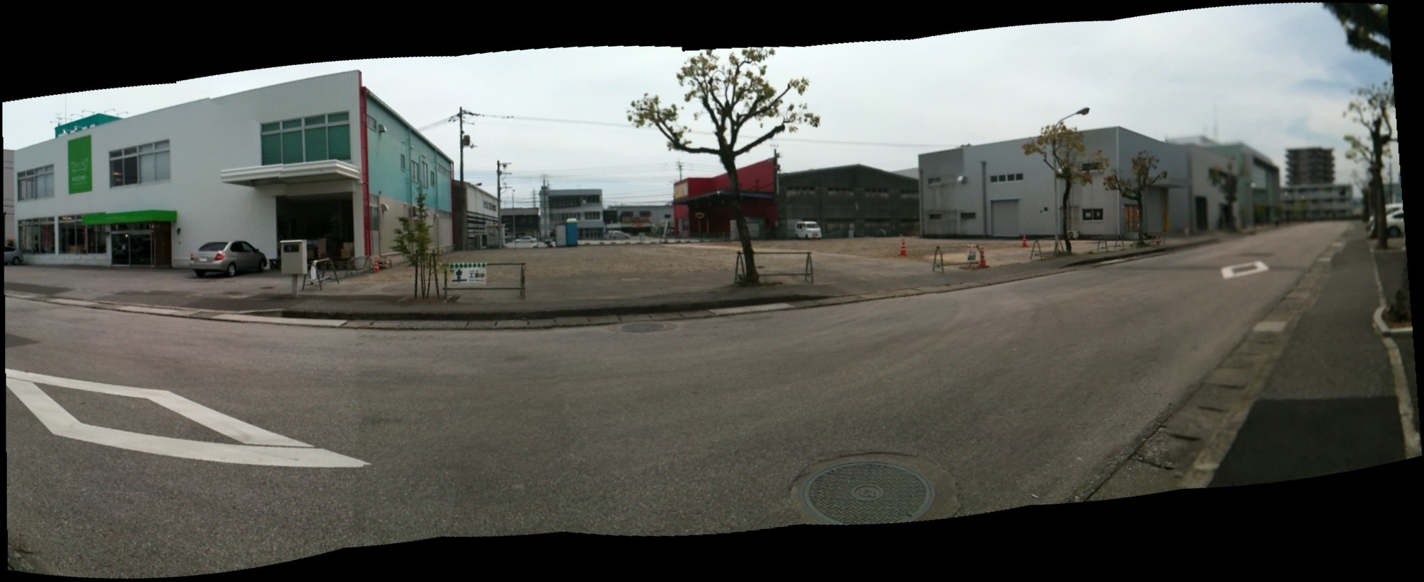 卸団地一番街 西側