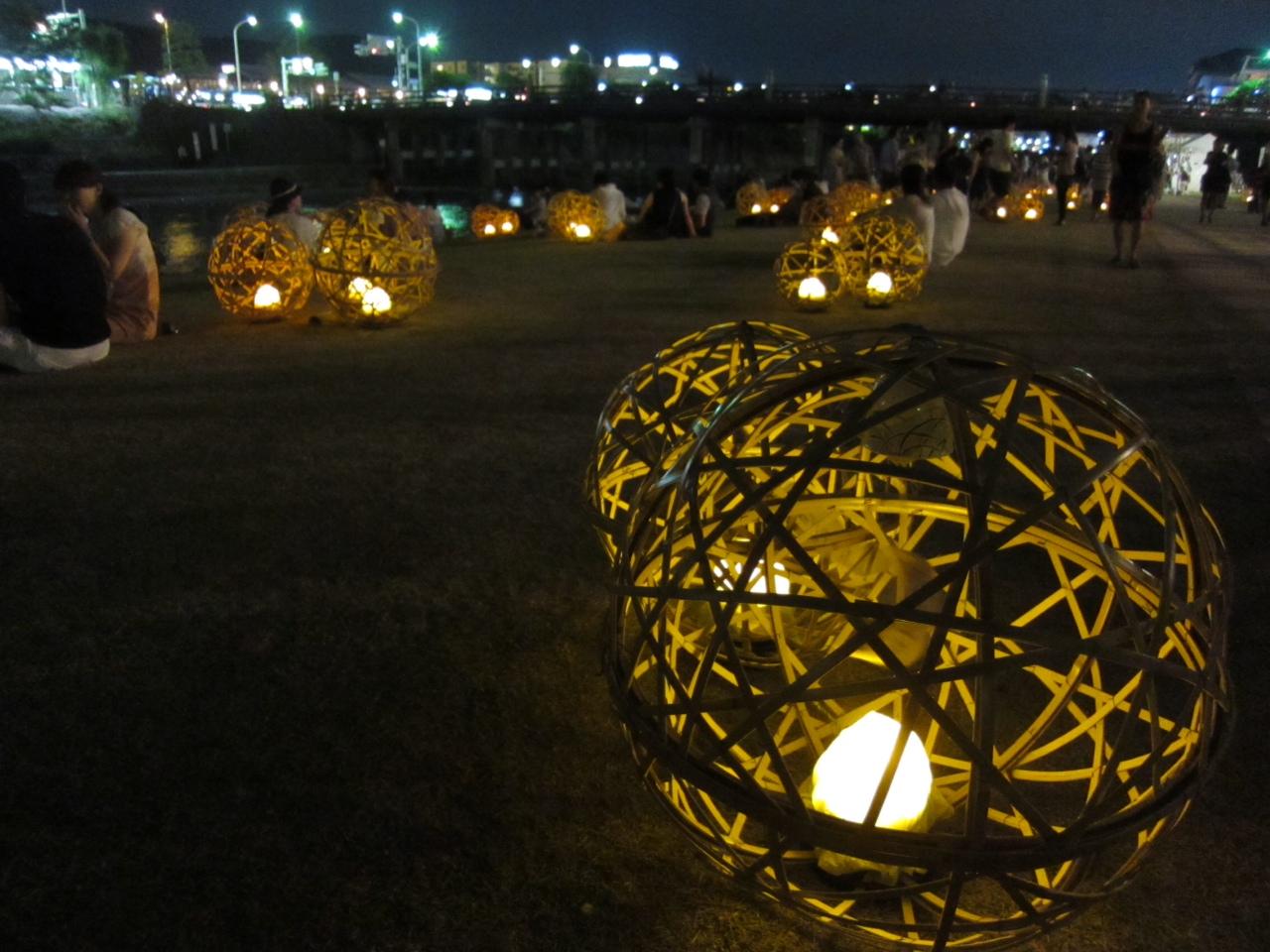京都 鴨川の風鈴灯